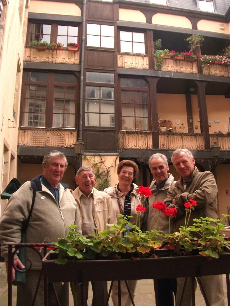Robert, Roger, Claire, Pierrot et Bruno